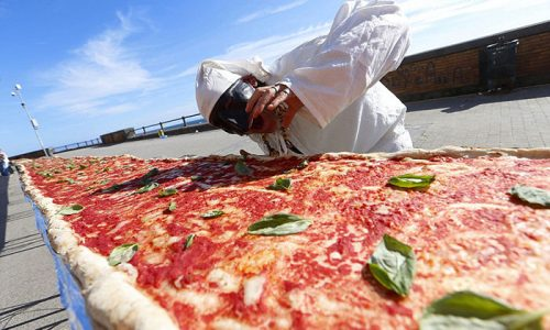 Man Vows To Break World Record With a 2km-Long Pizza