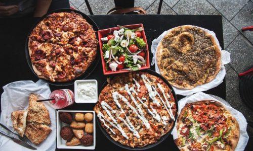 10 Hilarious Pizza Puns